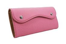 ドイツシュリンクを使用したピンク色のカブセ型長財布