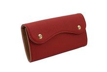 ドイツシュリンクを使用した赤色のカブセ型長財布
