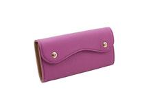 ドイツシュリンクを使用した紫紅色のカブセ型長財布