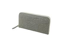 かば革を使用した灰色のラウンドファスナー長財布