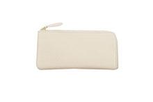 Mezzo Shrinkを使用したアイボリー色のL字ファスナー薄型長財布