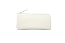 Mezzo Shrinkを使用した白色のL字ファスナー薄型長財布