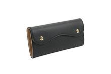 ノブレッサカーフを使用した黒色のカブセ型長財布
