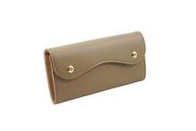 ノブレッサカーフを使用したトープ色のカブセ型長財布
