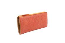シープレザーを使用したオレンジ色のL字ファスナー長財布