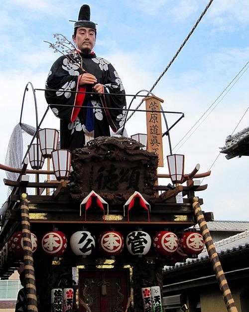 菅原道眞の人形が乗っている山車