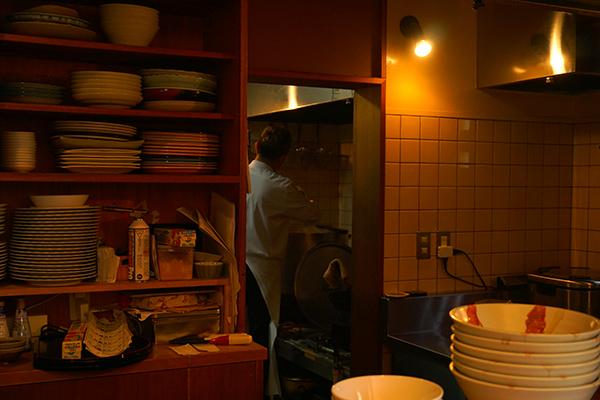 木更津山麓本店カレーを作っているところ